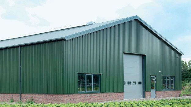 Agricultural shed with Colorcoat HPS200 Ultra in Juniper Green